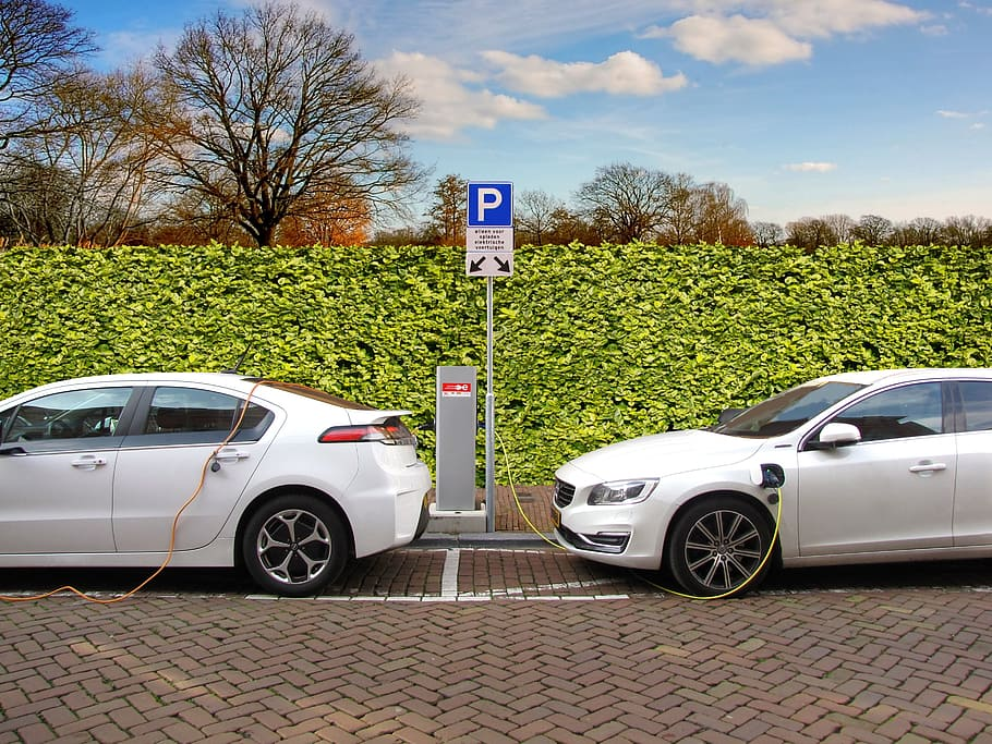 Top 5 electric cars of the future